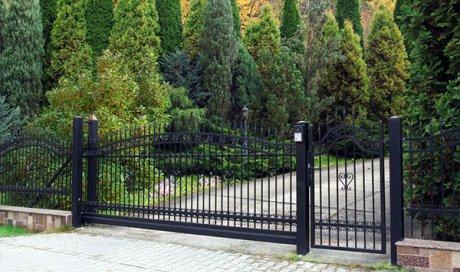 Conception et fabrication de portail en acier sur mesureà Issoire
