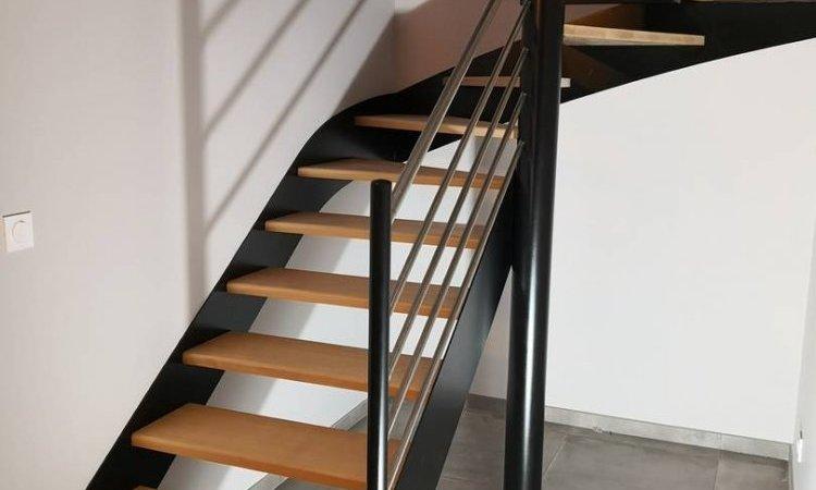 Escalier quart tournant en métal à Issoire