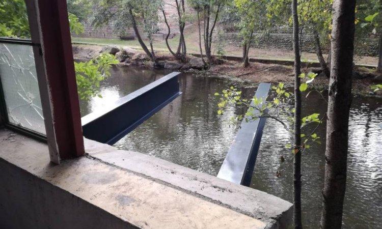 Terrasse suspendue sans poteaux à Issoire